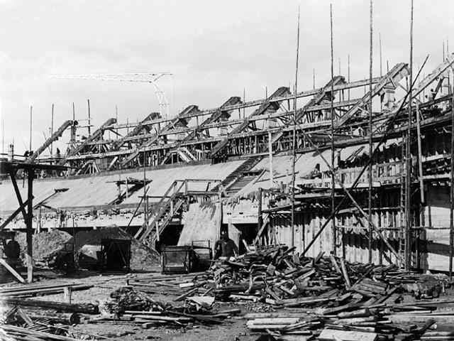 Baustelle Hallenstadion.