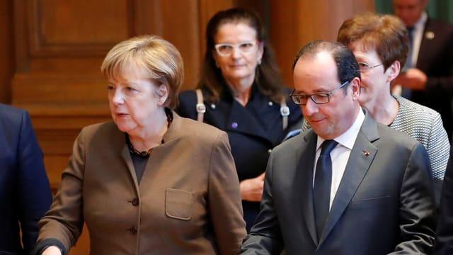 Merkel und Hollande entsetzt