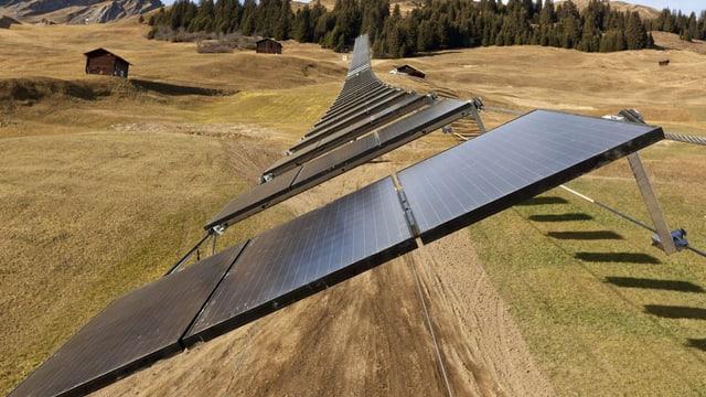In Tenna ist der Skilift mit 82 Solarpanels bestückt.