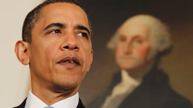Präsident Obama gibt ein Statement ab.