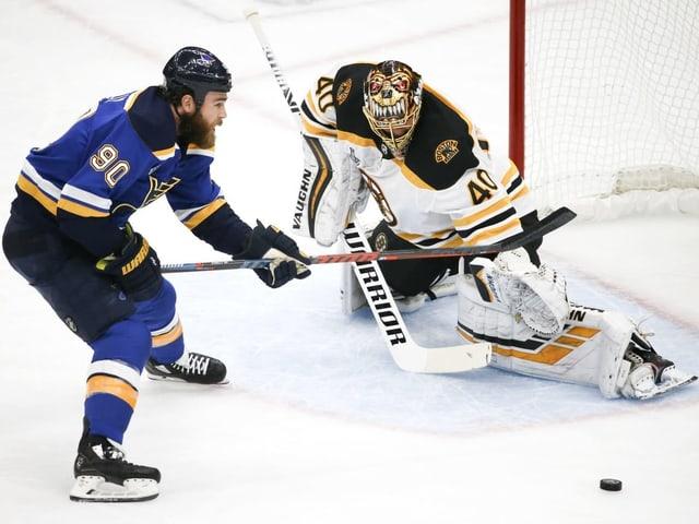 Bostons finnischer Goalie Tuukka Rask.