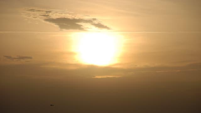Gelbliche Abendstimmung durch Saharastaub