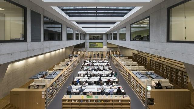 Lesesaal der Bibliothek der Uni Bern
