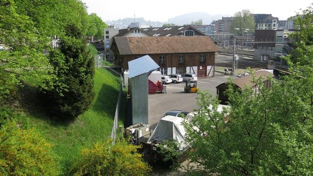 Blick auf das Areal beim Steghof, wo die Stadt Luzern den Bau eines Hochhauses erlauben möchte.