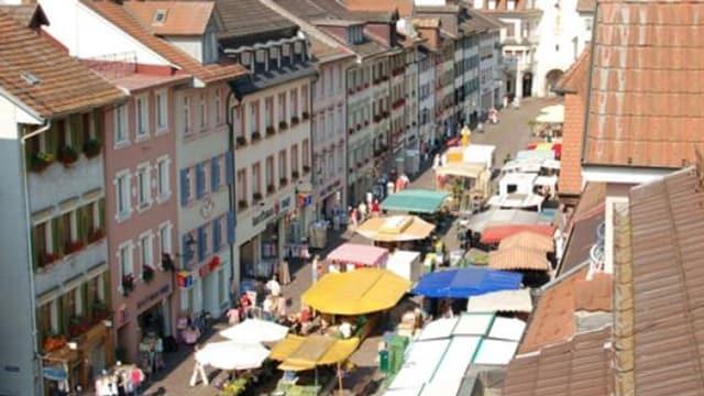 Blick von oben auf die Altstadt und den Markt.