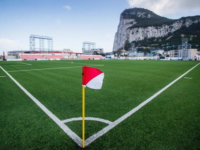 Das Victoria-Stadion in Gibraltar, die Heimstätte der Red Imps.