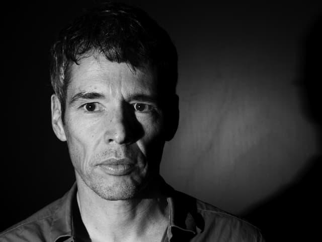 Ralf Fiedler ist Dramaturg und stellvertretender Leiter des Theaters.