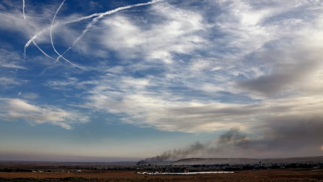 Kobane von der syrisch-türkischen Grenze betrachtet / November 2014
