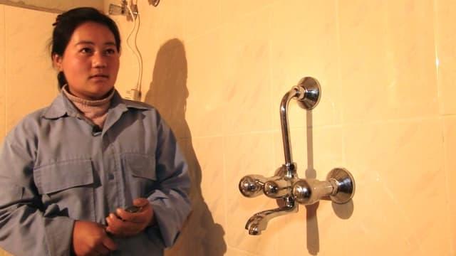Video «Sangay Yangzom wird Sanitär-Installateurin» abspielen