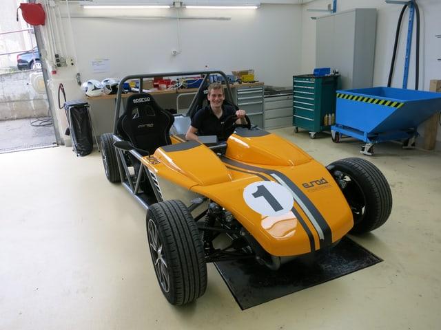 Der «erod» - ein orange-weiss-schwarzes Elektrofahrzeug mit vier Rädern