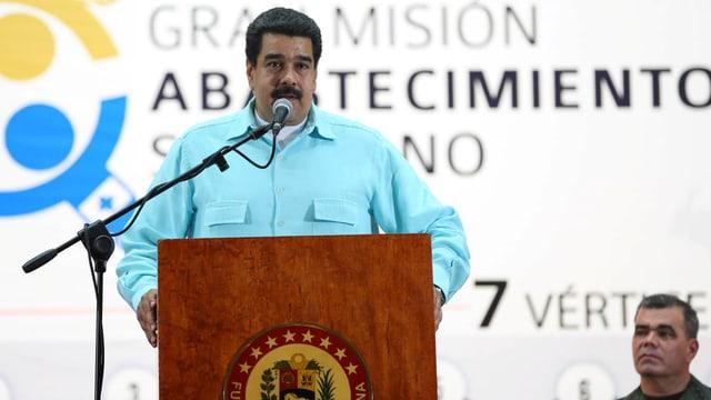 Maduros Stuhl wackelt stärker