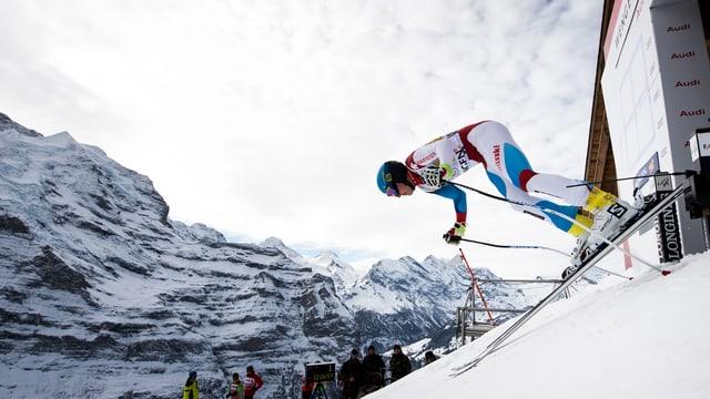 in skiunz parta per la cursa dal Lauberhorn
