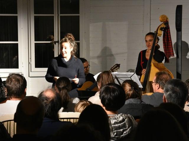 Sara Herrmann ha avert cun in pled poetic ils 29avels Dis da litteratura en il Kabinett der Visionäre a Cuira.