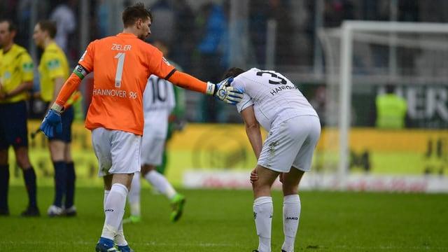 Enttäuschte Spieler von Hannover 96.
