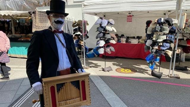 Orgelmann mit Maske