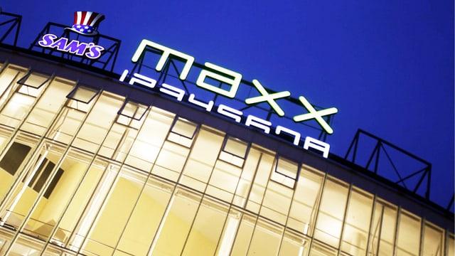 Fassade des Kinos Maxx.