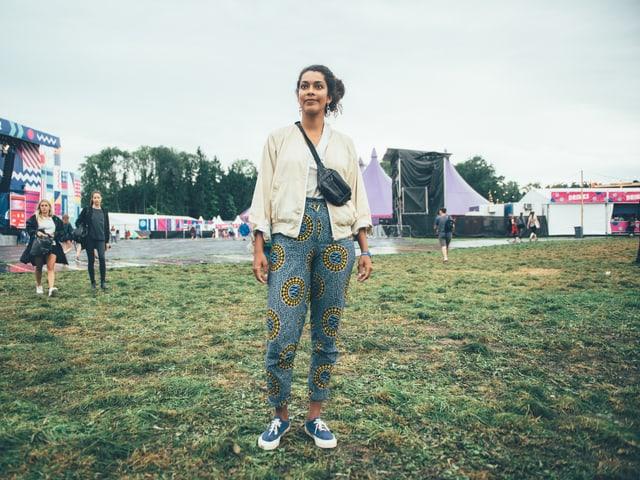 Hat die Hosen in Afrika anfertigen lassen, ist aber kein Hipster: Carolina aus Bern.