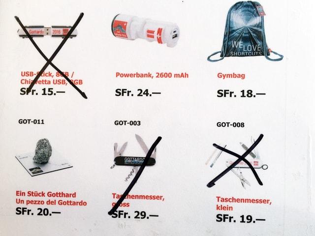Aushang mit Souvenir-Produkten
