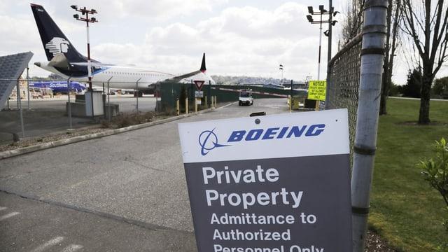 Blick auf ein Firmengrundstück von Boeing.