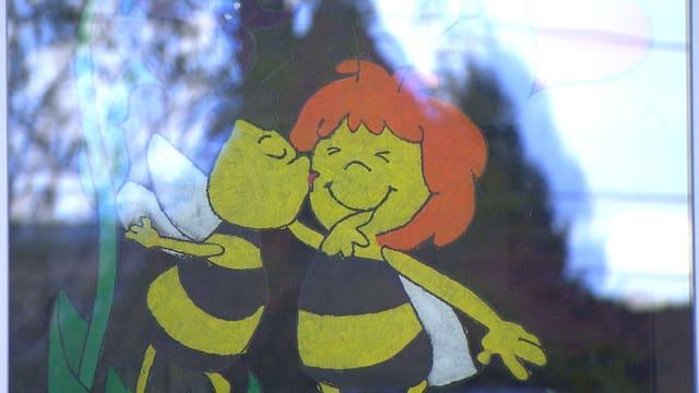 Bild mit Bienen auf Fenster