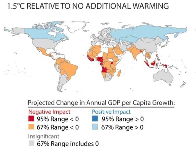 Weltkarte, auf der die äquatorialen Gebiete meist orange, einige wenige in Afrika rot eingezeichnet sind, die nördlichen Gebiete sind hellblau eingezeichnet.