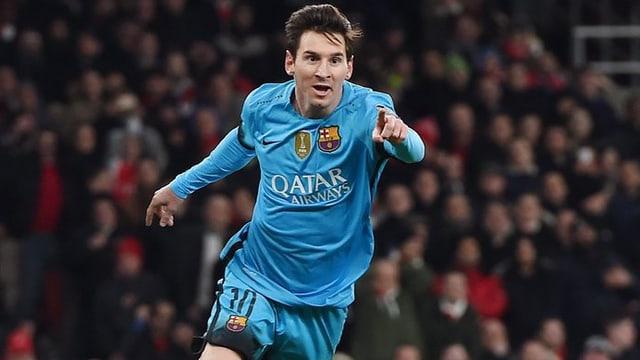 Lionel Messi giubilescha suenter avair sajettà in gol cunter Arsenal.