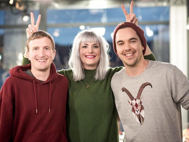 Stefan Büsser, Tina Nägeli und Fabio Nay sendeten während 7 Tagen aus der Glasbox.