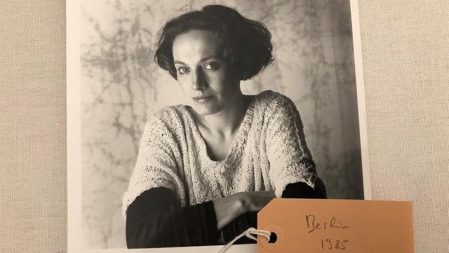 Eine alte Porträtaufnahme von Corin Curschellas.