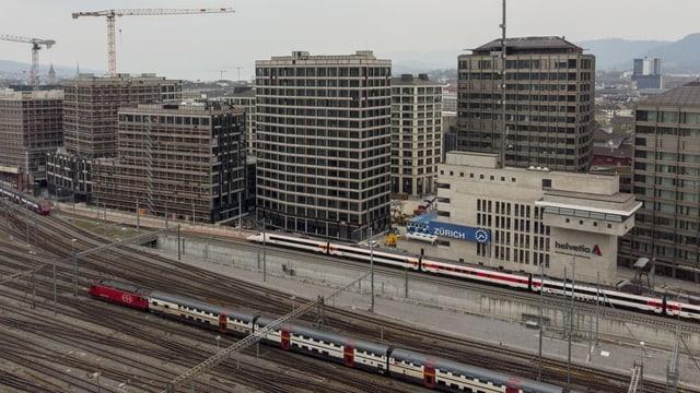 Blick auf Gebäude der Europa-Allee in Zürich