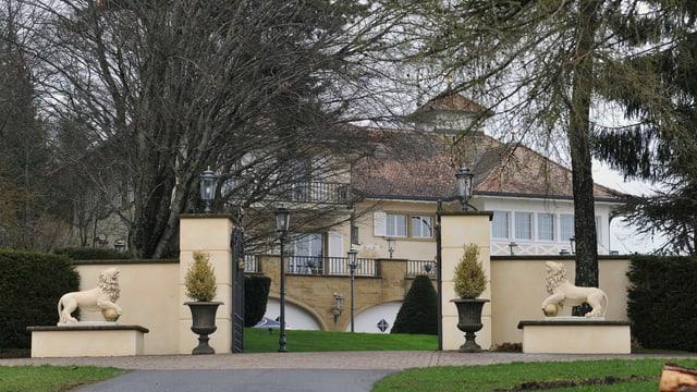 Aussenansicht der illegal erstellten Villa Dewert