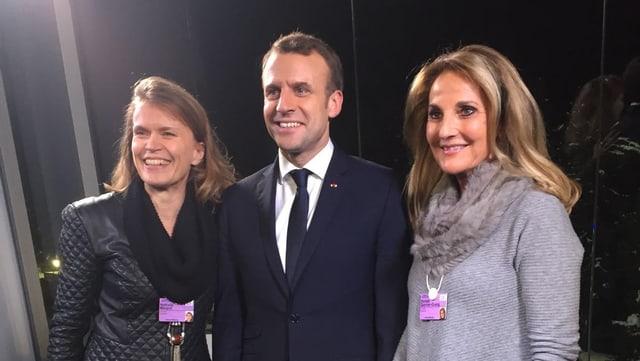 Emmanuel Macron cun Renata Quinter a dretga.