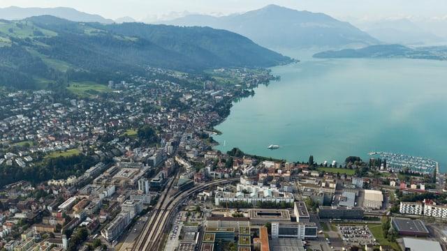 Flugaufnahme der Stadt Zug