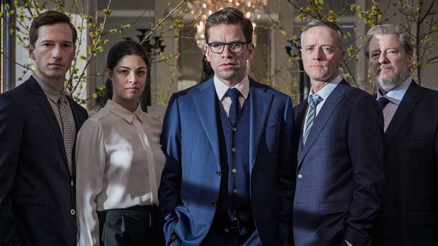 Gruppenbild der Protagonisten der Serie