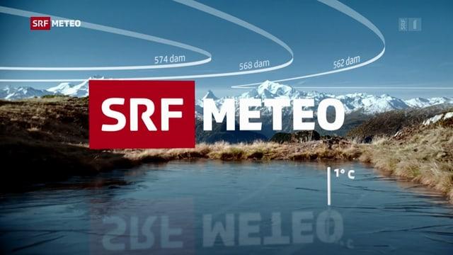 SRF Meteo Schriftzug im Vordergrund ein Weiher. Im Hintergrund sind die Alpen zu sehen