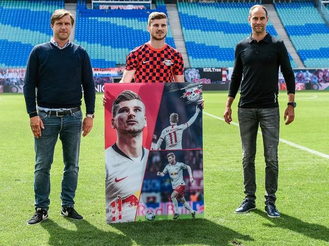 Timo Werner posiert bei seinem letzten Heimspiel