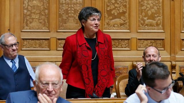 Lucrezia Meier-Schatz (CVP-SG) erhält Applaus bei ihrer Verabschiedung im Nationalrat, am Freitag, 25. September 2015.