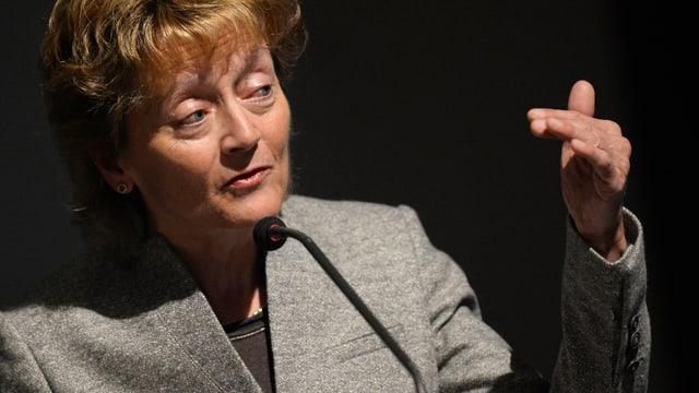 Finanzministerin Eveline Widmer-Schlumpf spricht an der BDP-Delegiertenversammlung.