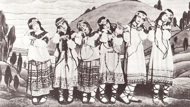 Sechs Tänzerinnen in Indianer-Kostümen auf der Bühne.