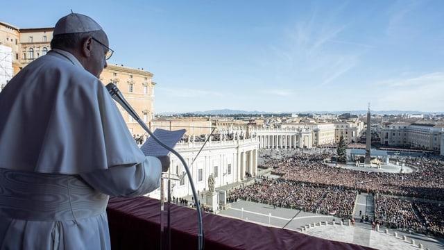 Il papa en ses pled avant 40'000 persunas