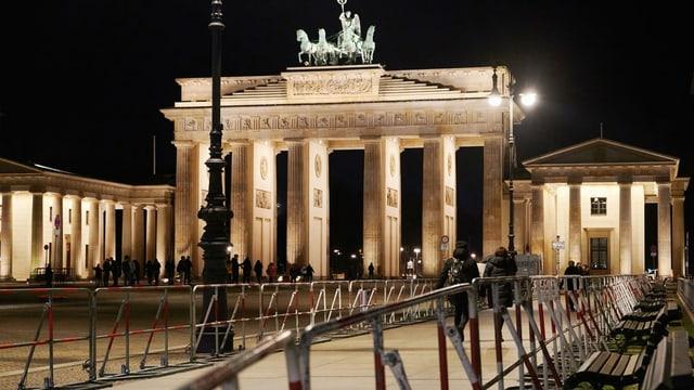 Absperrgitter vor dem Brandenburger Tor