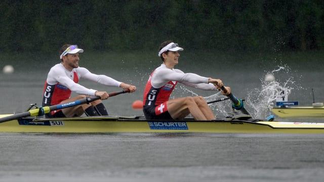 Lucas Tramèr und Simon Niepmann beim Rudern im Zweier ohne.