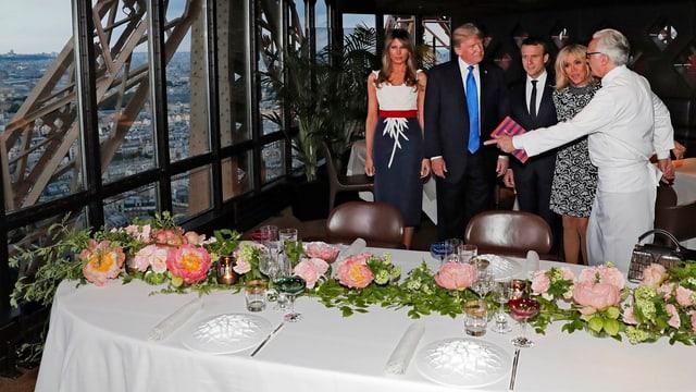 Macron und Trump vor dem Essen.