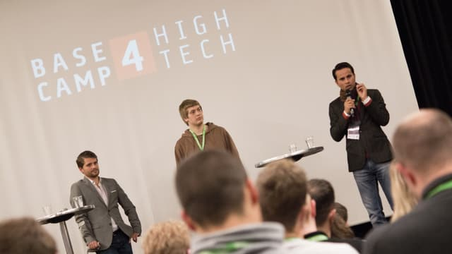 Oliver Flückiger (rayneer.tv), Fabio Anderegg (gonnado.com) und Deependra Pandey (movacon.ch) erzählen von ihren Fehlern.