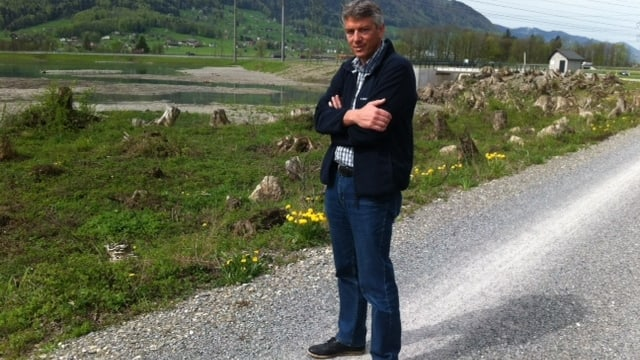 Linth-Ingeneur Markus Jud vor dem Linthkanal