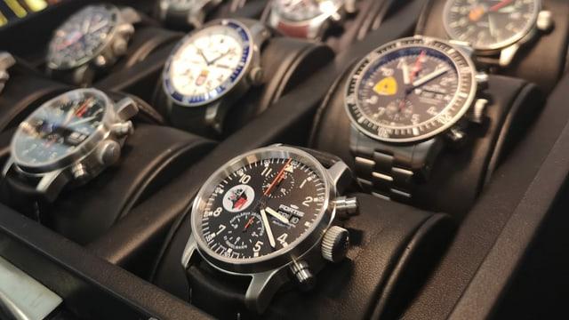 Viele Chronometer.