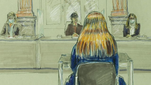 Zeichnung von Frau im Gericht