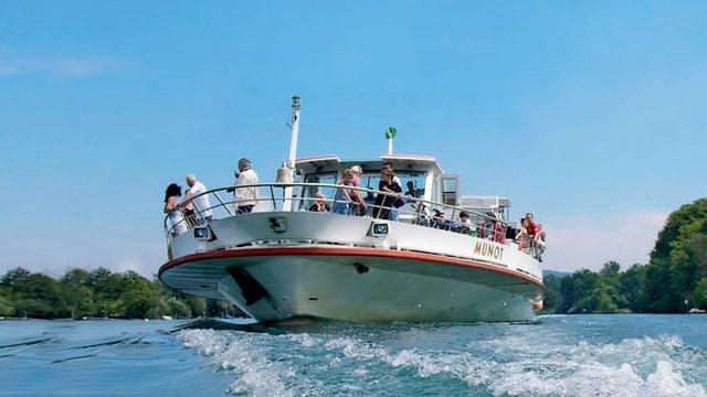 DAs Schiff Munot auf dem Rhein.