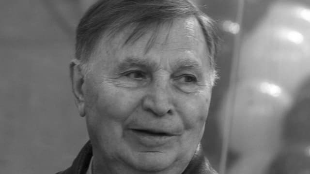 Viktor Tichonow.
