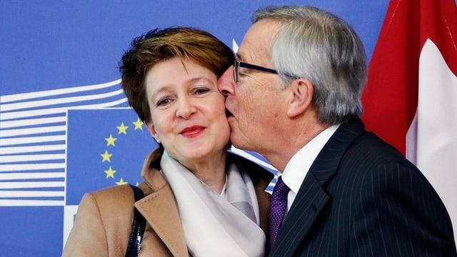 Zus sehen Bundesrätin Simonetta Sommaruga und Kommissionspräsident Juncker.