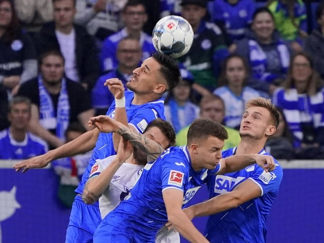 Nicht nur im Spiel zwischen Schalke und Hoffenheim, sondern aktuell auch in der Bundesliga-Tabelle.